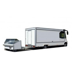 Camión con remolque vitrina